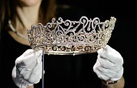 tiara with gloves - Copy